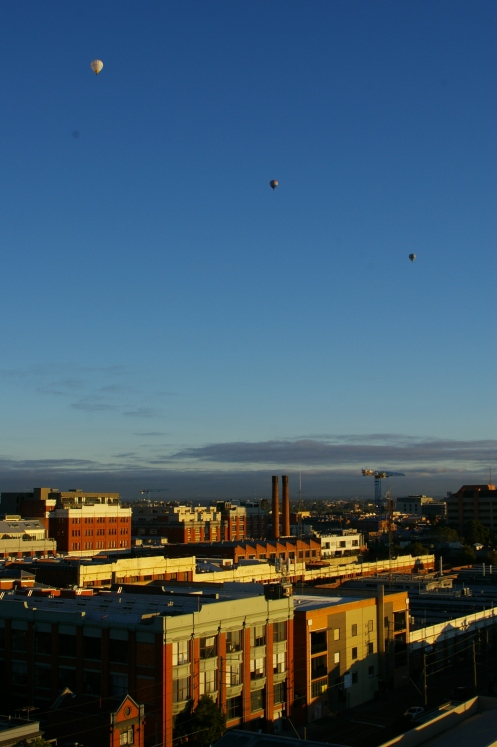 Friday morning hot air balloons over Collingwood